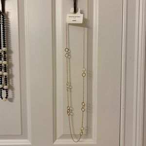 New chain necklace with interlocking gold circles